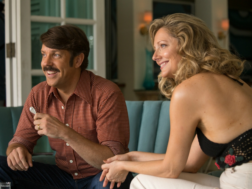 Jason_Sudeikis_and_Judy_Greer